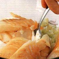 Salata de peste alb cu morcovi
