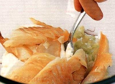 Salata de peste afumat cu masline