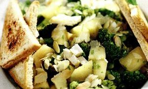 Chicken salad with ginger