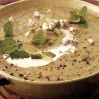 Supa-crema acrisoara de linte cu gutui
