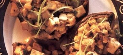 Ciuperci umplute cu branza tofu