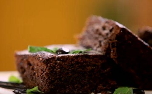 Brownie cu caramel