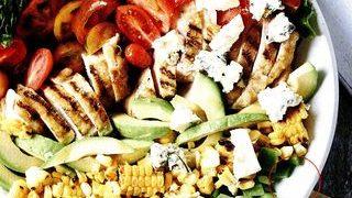 Salata cu porumb copt