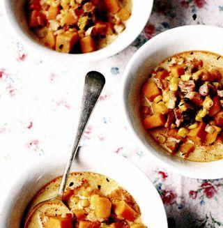 Supă de berbec cu fasole boabe si costita afumata