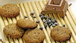 Biscuiti integrali cu nuci pecan si afine