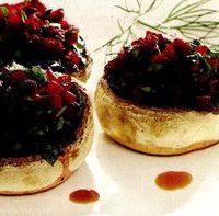 Ciuperci umplute cu sfecla rosie