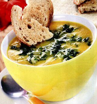 Supă de ţelină cu paste fainoase