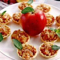 Minitarte cu mere si nuci