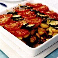 Cartofi cu roşii şi mozzarella gratinată