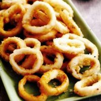 Calamari crocanti cu salata
