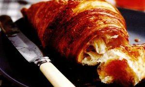 Croissant cu porumb