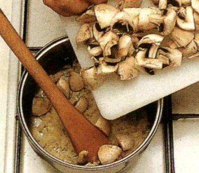 Cum se prepara sos de ciuperc