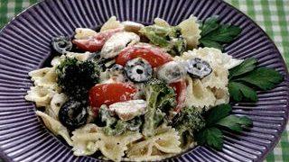 Salata de paste cu broccoli si ciuperci