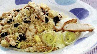 Salata de quinoa, pui si merisoare