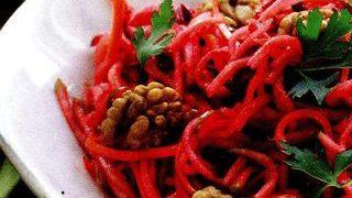 Spaghete cu sfecla si morcov