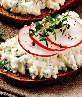 Tartine cu brânză
