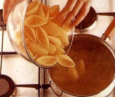 Paste umplute cu spanac si ricotta