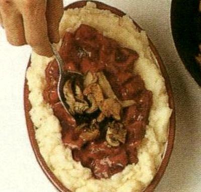 Piure de cartofi cu sfecla si ciuperci