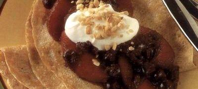 Cum se prepara Clatite cu fructe caramelizate