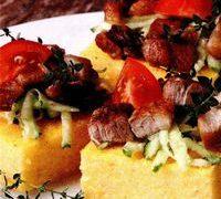 Mamaliga cu carne de porc si legume