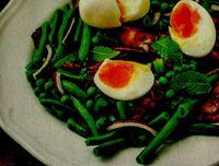 Salata cu fasole verde si oua