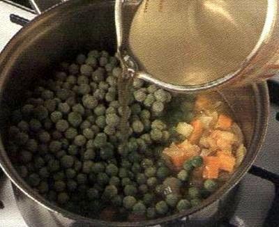 Supa crema de mazare cu busuioc
