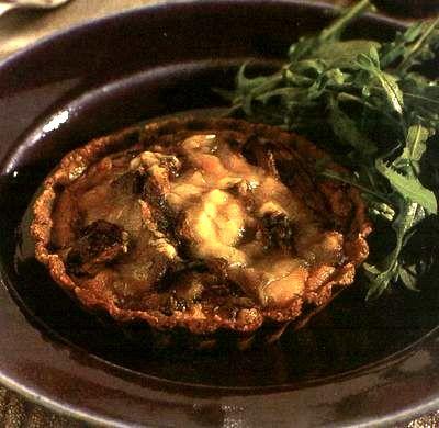 Tarta cu carne de puisi ciuperci
