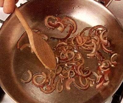 Frittata cu cartofi si ceapa rosie