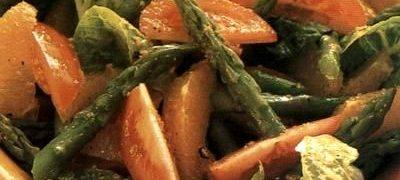 Salata de sparanghel cu suc de portocale
