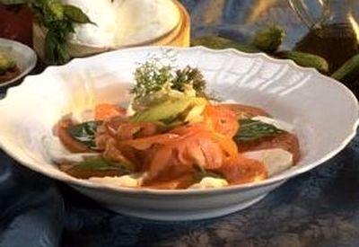 Salata de rosii cu verdeata