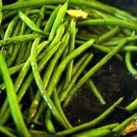 Terina de fasole verde la cuptor