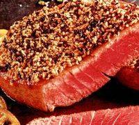 Felii de ton cu susan şi julien de legume