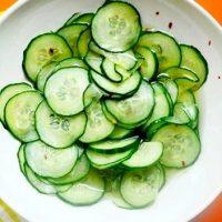 Salata de castraveti marinaticu cidru