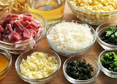 Paste scoică cu carne şi sos