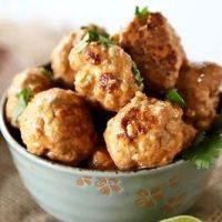 Chiftelute de pui cu sos curry