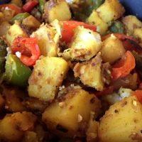 Mancare aromata de cartofi cu ardei