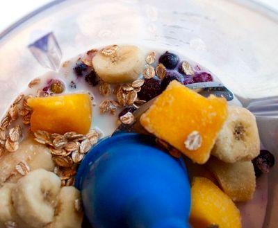 Smoothie de fructe cu ovaz