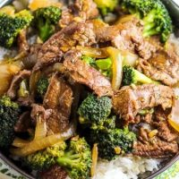 Vita si broccoli cu sos de soia
