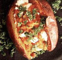Cartofi dulci la cuptor cu feta