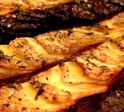 Cartofi la cuptor cu aroma de cimbru