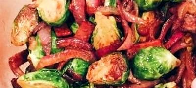 Varză cu bacon, morcov şi telina