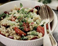 Salata de cuscus cu verdeata