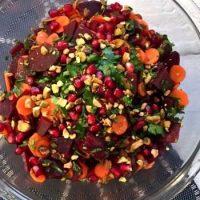 Salata de sfecla cu morcovi si verdeata