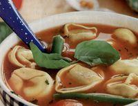 Supa italieneasca cu tortellini