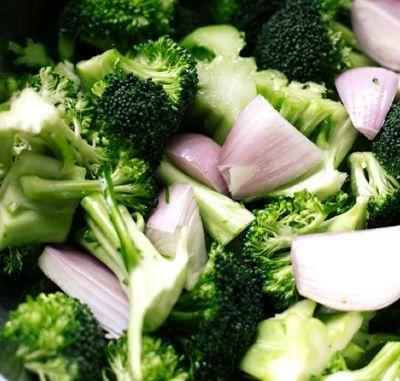 Broccoli cu sos miso
