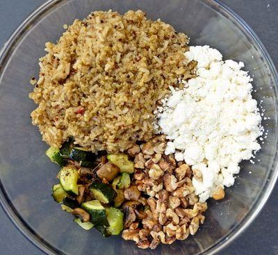 Dovleac umplut cu quinoa si legume