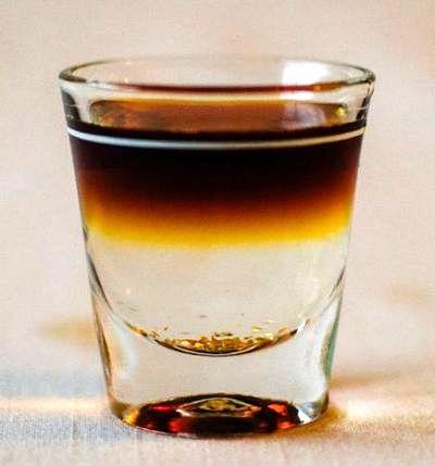 Cocktail cu lichior Goldschlager