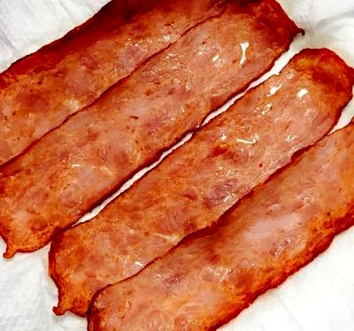 Oua in cuib de bacon