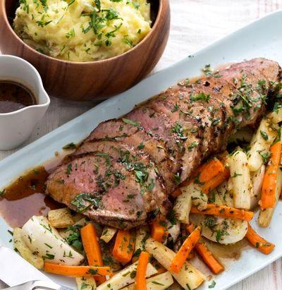 Friptura de vita cu piure de cartofi si legume