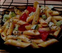 Salata de paste cu castraveti